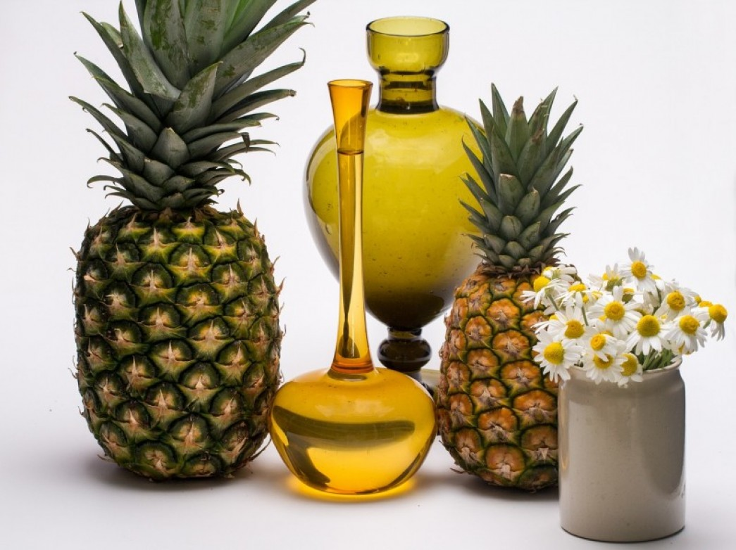 pineapples, daisies, and beautiful oils